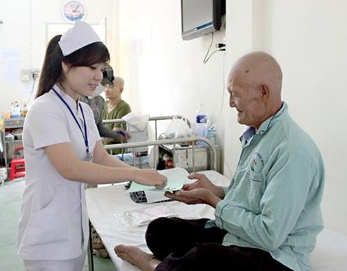 chăm sóc bệnh nhân viêm phổi