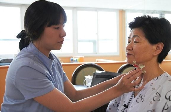 dịch vụ chăm sóc người già, người bệnh, bệnh nhân