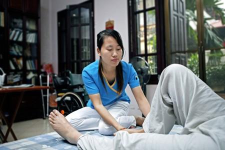 chăm sóc bệnh nhân tại nhà