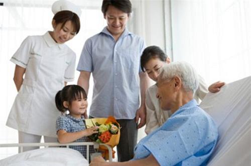 Chăm sóc bệnh nhân tiểu đường tại nhà với kế hoạch ăn uống đơn giản