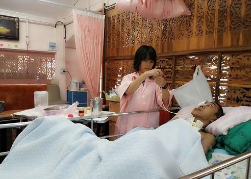 Dịch vụ chăm sóc người bệnh người bệnh chuyên nghiệp