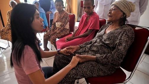 Chăm sóc người già 64 tỉnh thành