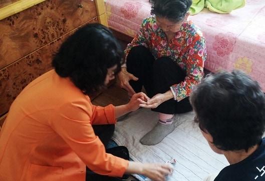 Dịch Vụ Chăm Sóc Người Già Ở 64 Tỉnh Thành Ân Cần - Chu Đáo