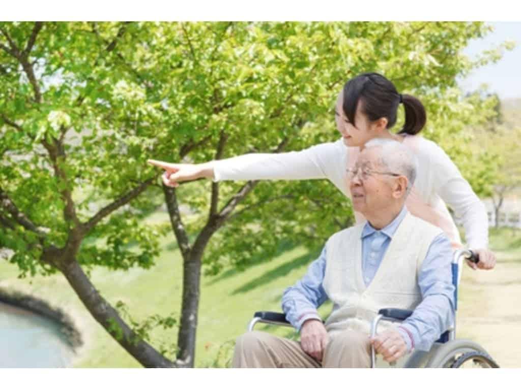 Dịch vụ chăm sóc người bệnh ung thư giai đoạn cuối tại nhà