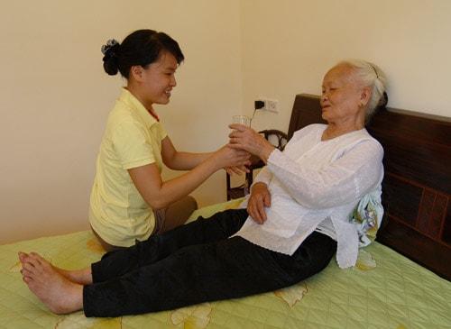 Chăm sóc bệnh nhân tại nhà chuyên nghiệp-Tìm dịch vụ chăm sóc bệnh nhân