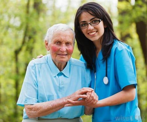 Dịch vụ chăm sóc người bệnh chuyên nghiệp tại Tp. Hồ Chí Minh