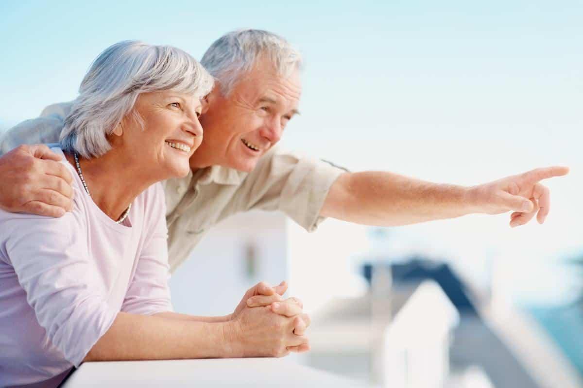 chăm sóc người già tận tâm