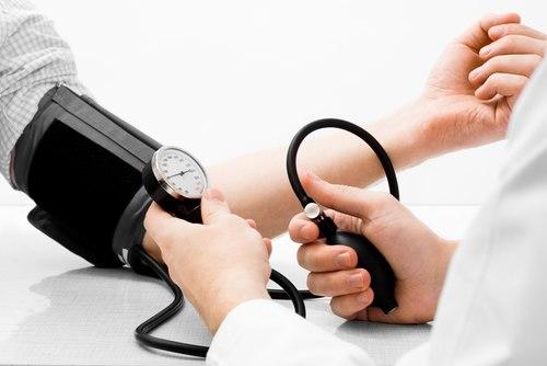 Hạ huyết áp nên uống gì? - Cách trị & chăm sóc bệnh nhân hiệu quả