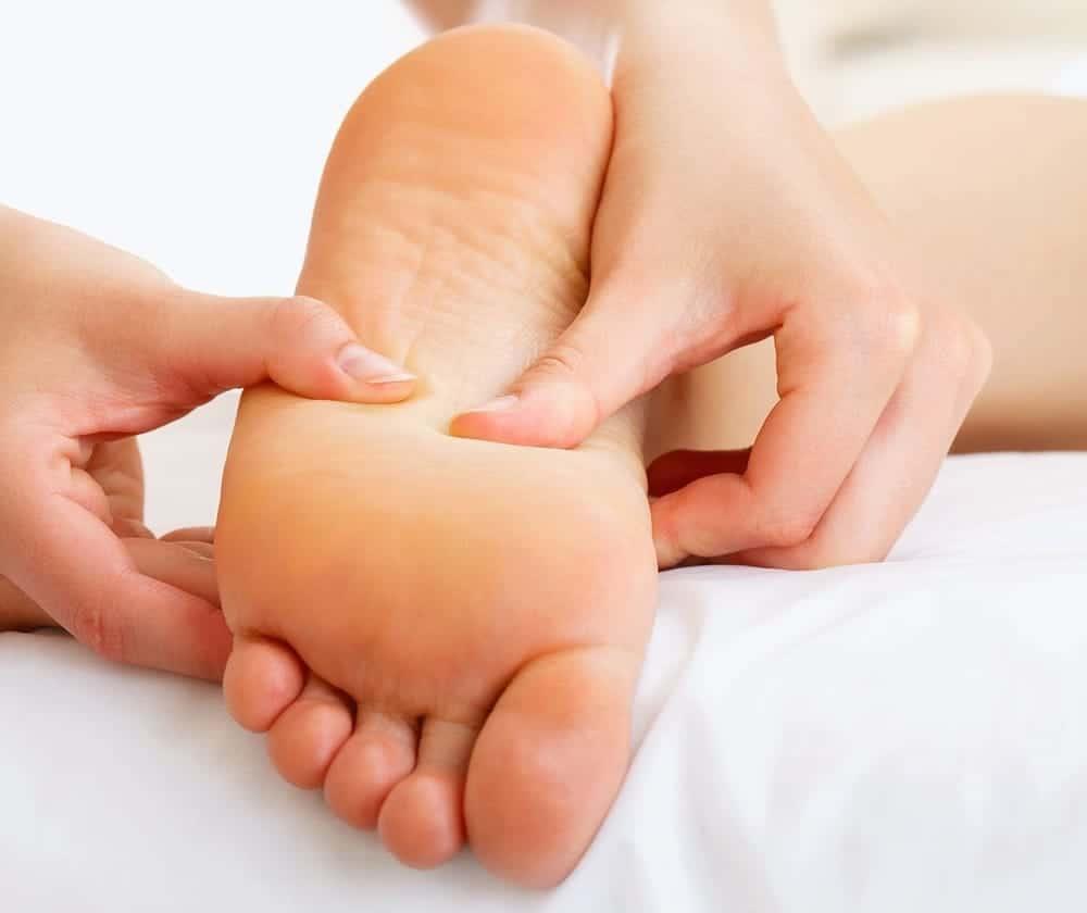 Chăm sóc vết thương chân ở người bệnh tiểu đường