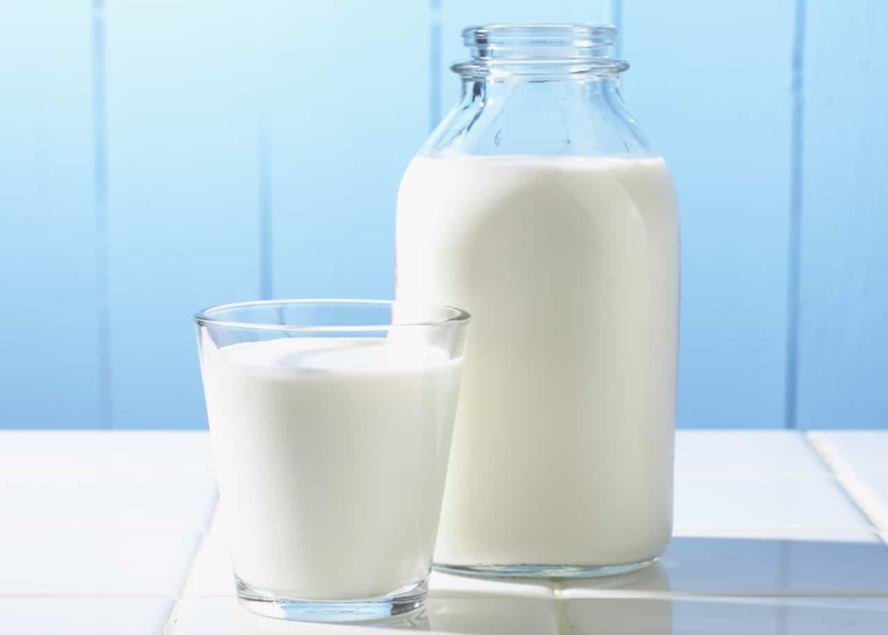 [Chăm sóc người bệnh] Bệnh nhân ung thư có nên uống sữa không?