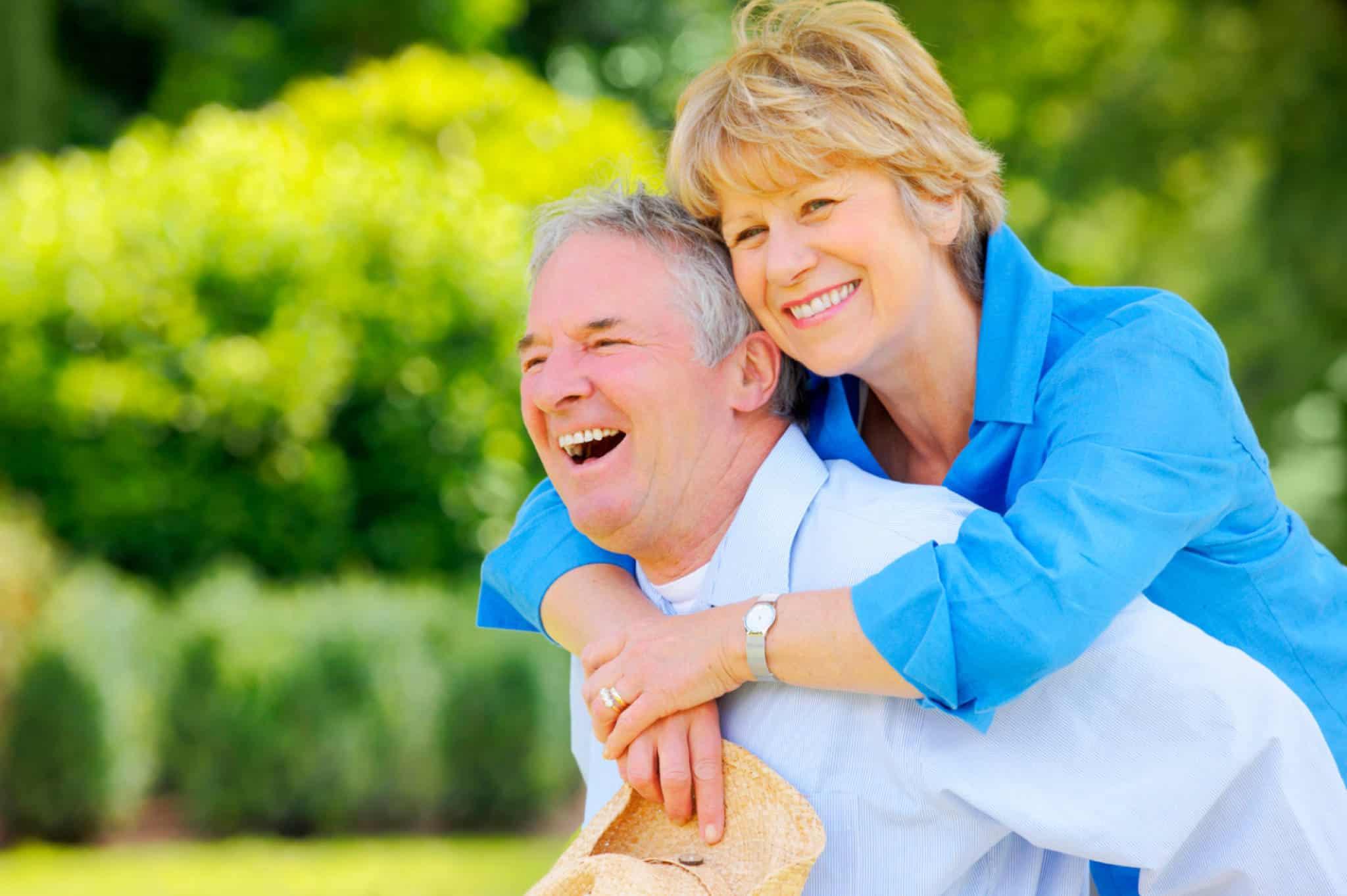 Các Cách Chăm Sóc Người Già Tại Nhà Giúp Bí Quyết Tăng Tuổi Thọ