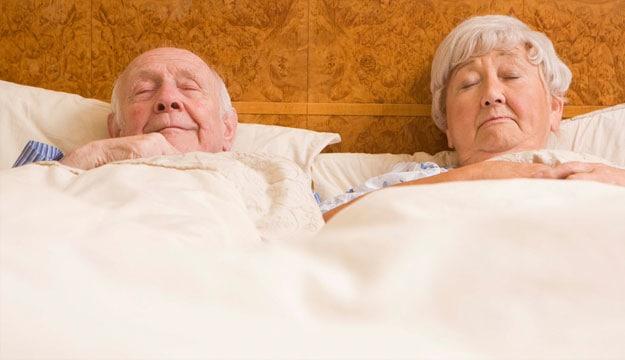 Cách Chăm Sóc Người Già Bị Lẫn Tại Nhà