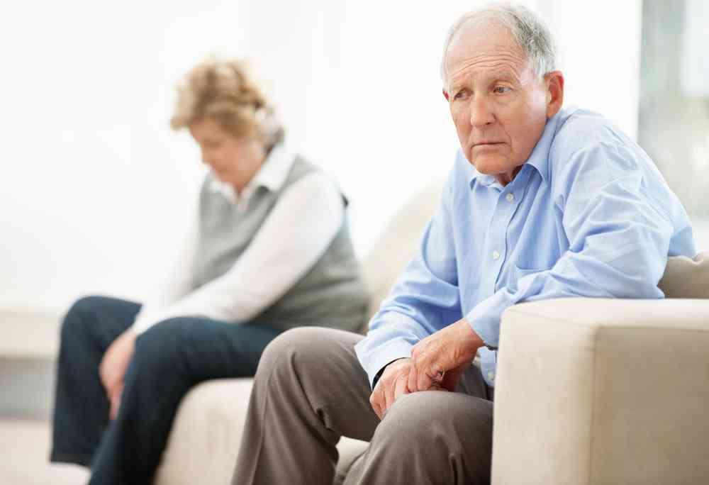 Gợi ý những cách chăm sóc người già bị lẫn | Dịch vụ chăm sóc người già