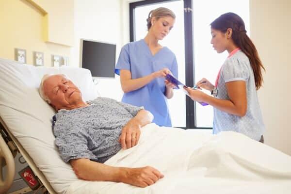Những Điều Bạn Nên Biết Khi Chăm Sóc Bệnh Nhân Sau Mổ