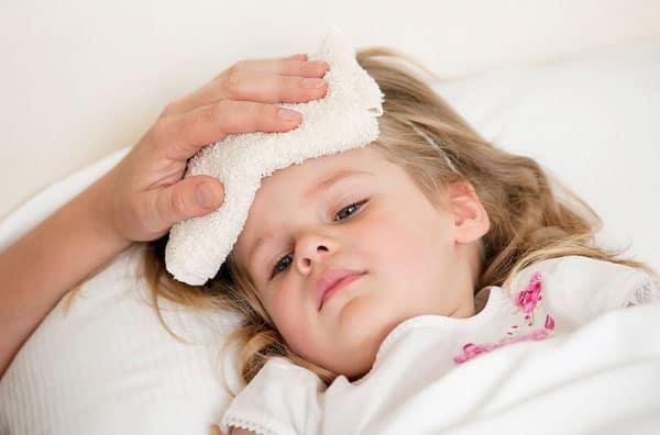 [Dịch vụ chăm sóc bệnh nhân] Chăm sóc người bị sốt xuất huyết như thế nào cho đúng?