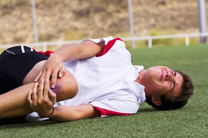 Đau nhức cơ xương khớp do chấn thương thể thao