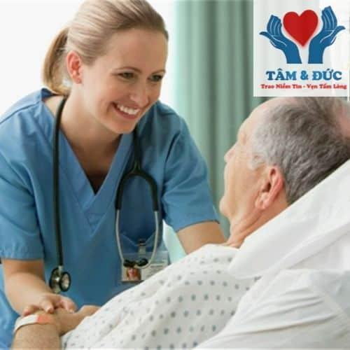 Lý Do Bạn Nên Chọn Dịch Vụ Chăm Sóc Người Bệnh DV Tâm & Đức