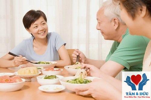 Mách Bạn 4 Cách Chăm Sóc Người Bệnh Tại Nhà