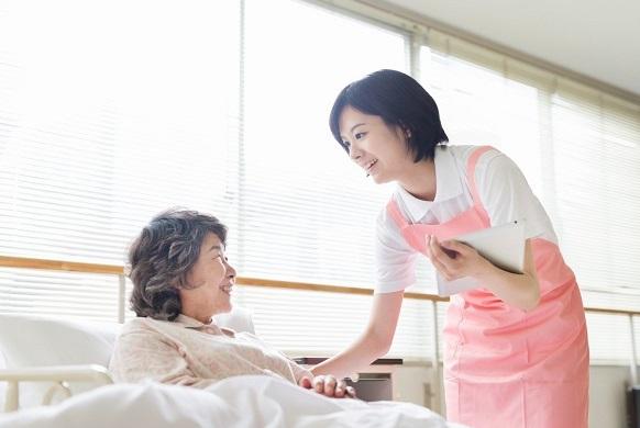 Những điều bạn cần biết khi chăm sóc người cao tuổi
