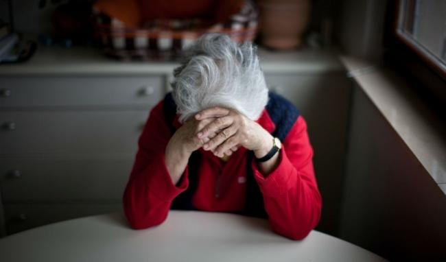 Chăm sóc người già | Phương pháp hỗ trợ điều trị trầm cảm ở người già