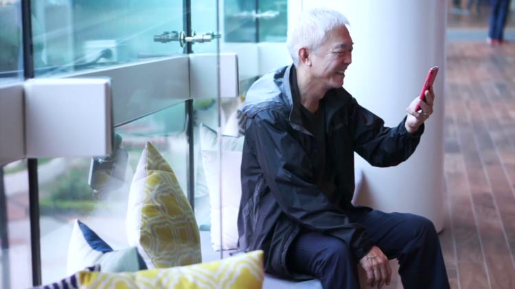 Cách chăm sóc người cao tuổi ngay cả khi bận rộn