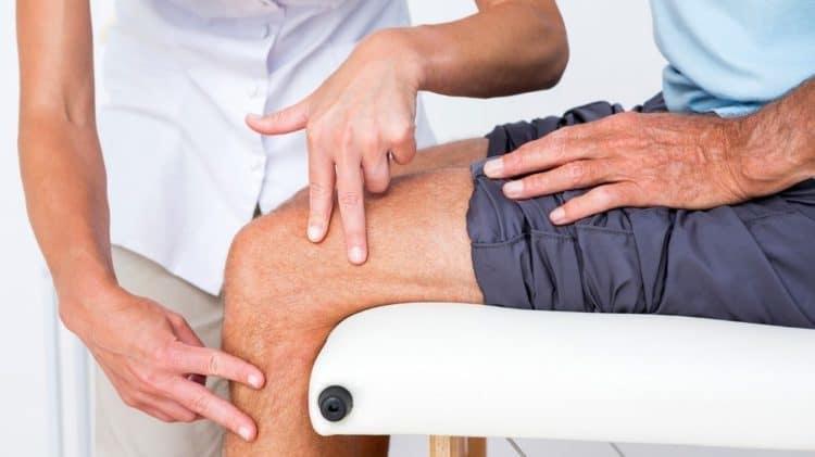 Chăm sóc người già | Những khó khăn trong việc điều trị đau khớp