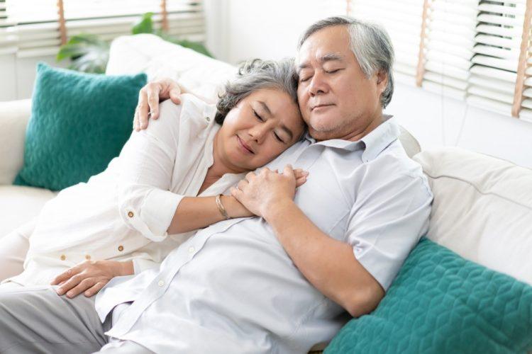 Chăm sóc người già | Bí quyết giúp cho người già có được giấc ngủ ngon