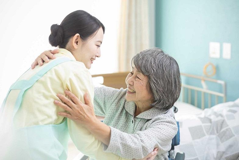 Dịch Vụ Chăm Sóc Sức Khỏe Người Cao Tuổi Tại TpHCM Uy Tín Chuyên Nghiệp